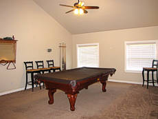 Vacation Rental home with Pool table
